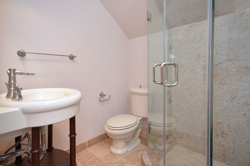 14_buena_vista_MLS_HID699470_ROOMupperloftwashroom