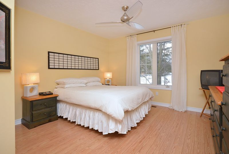 124_east_st_MLS_HID699472_ROOMmasterbedroom