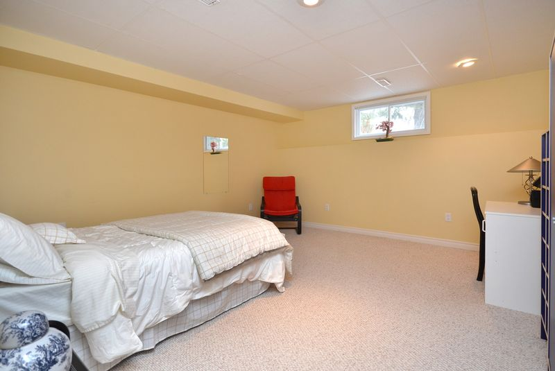 124_east_st_MLS_HID699472_ROOMbedroom2