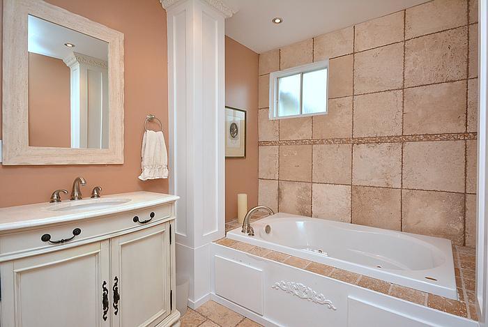 Mainbathroom_700